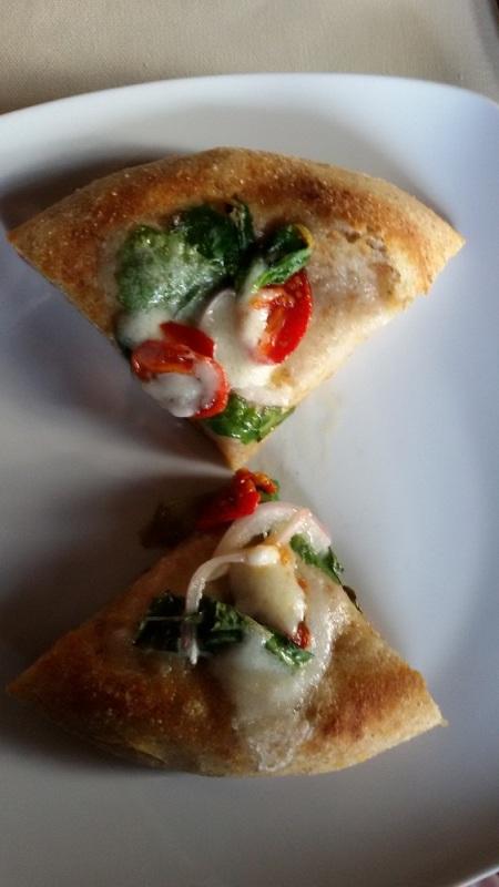 3Voglie, la pizza in teglia con cipolla ramata e pomdorini
