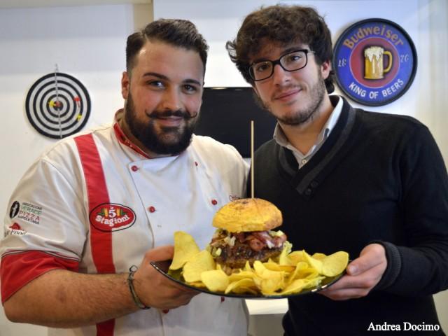 B-ZONE & La Taverna di Bacco. Cristiano De Rinaldi, Andrea Docimo e... Il Panino di Cristiano!
