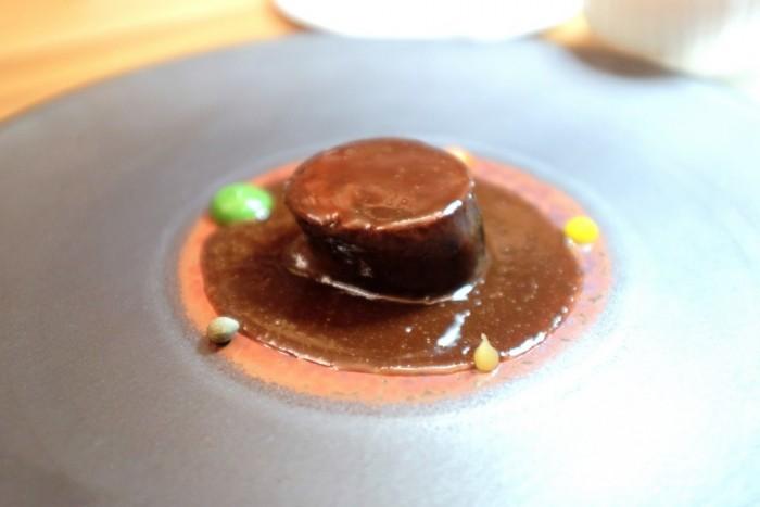 Bottura, pernice in in salsa civet