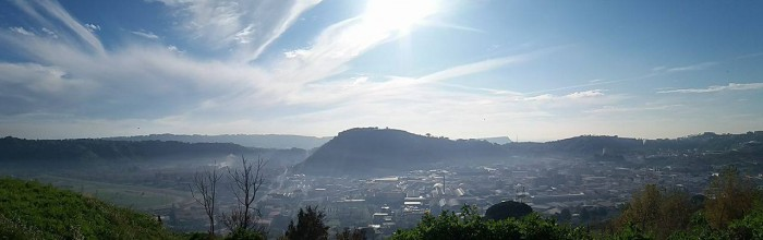 Conca di Agnano, uno tra i vulcani di cui è costituita la caldera flegrea