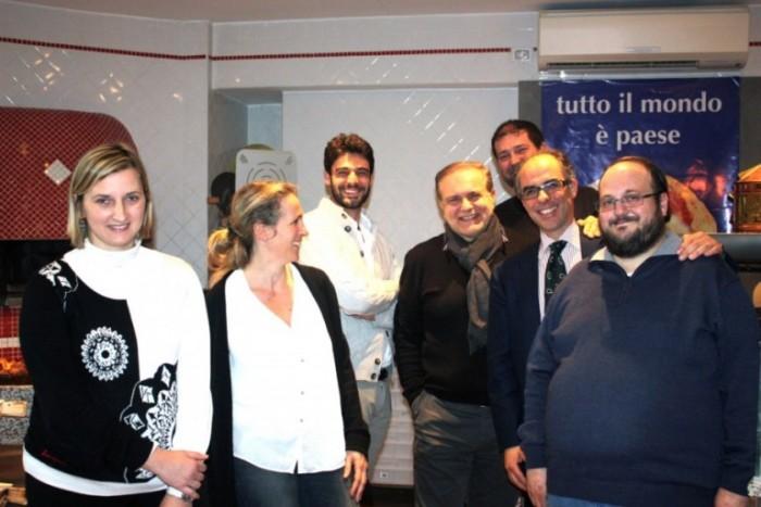 Contest Bufala in Fermento, foto di gruppo con la giuria
