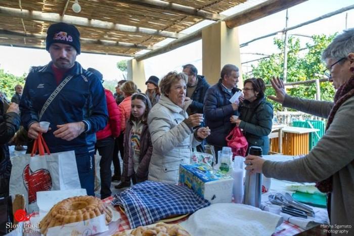 Festa del Paniere Flegreo, piccola degustazione offerta dalla Condotta Slow Food Campi Flegrei