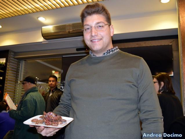 Gigione a Pomigliano. Raffaele Cariulo ed il salamino paesano.