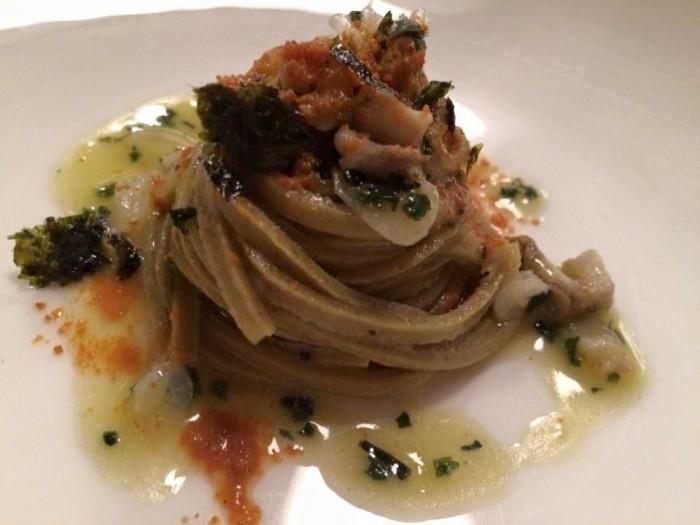Il Pagliaccio, Spaghetti di grano arso, ricci e lumachine di mare