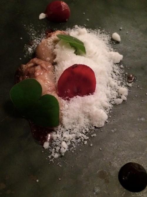 Il Pagliaccio, ostrica, rape e caffè con neve di burrata