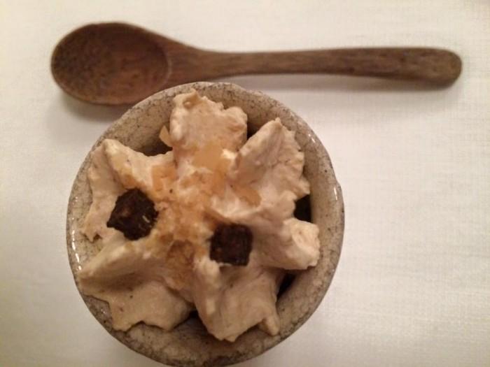 Il Pagliaccio, spuma di pane, zucca caramellata alla fava tonka