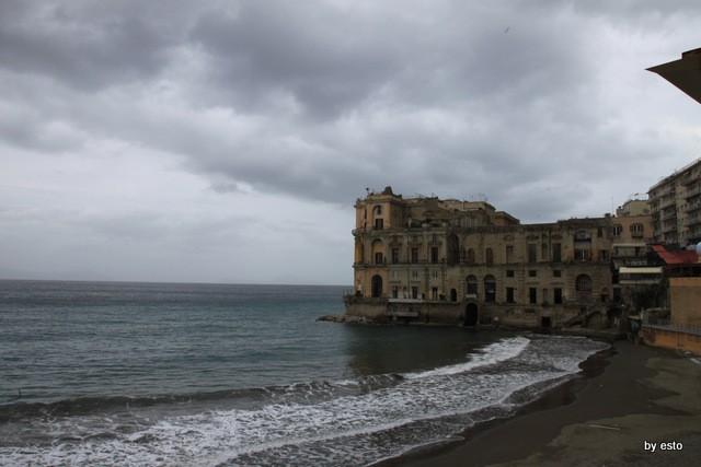 Il nuovo Palazzo Petrucci a Villa Donn'Anna. Il Bigio Palazzo