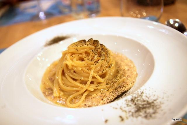 Mangianapoli Spaghetti aglio e olio con tarallo