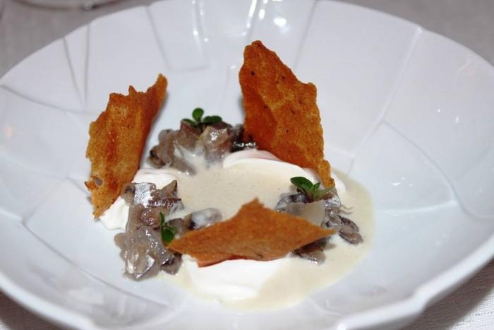 Osteria Arbustico, zuppetta mandorle e acciughe