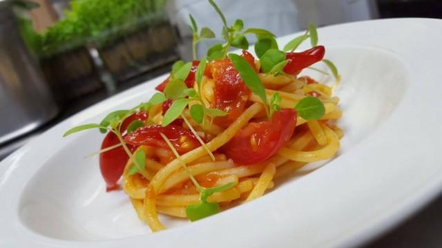 Pepe in Grani Incursioni di Gusto Lo Spaghetto ai 4 pomodori di nino di costanzo