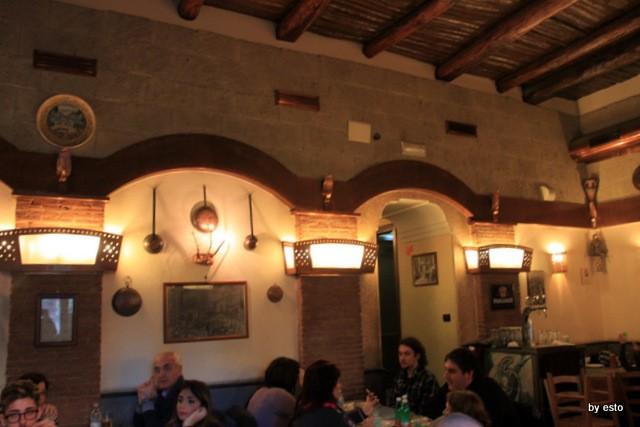 Pizzeria I Decumani. La sala