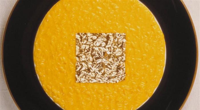 Risotto con foglia d'oro - immagine tratta da www.finedininglovers.it