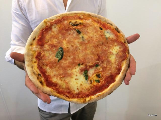 Vanvitelli Pizza & Food Gourmet.  Mauro Ramirez Pizza surgelata. Prima  di ripassare in forno