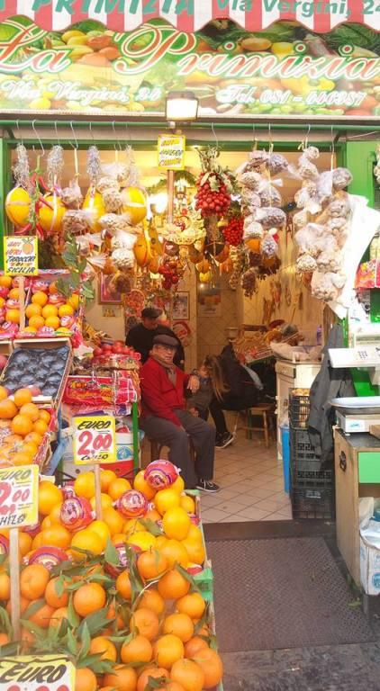 il mercato del Rione Sanità