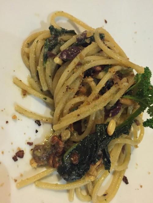 Abraxas Osteria, spaghetti con friarielli e noci