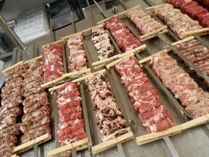 Agriturismo Mastrofrancesco, preparazione carne al fornello