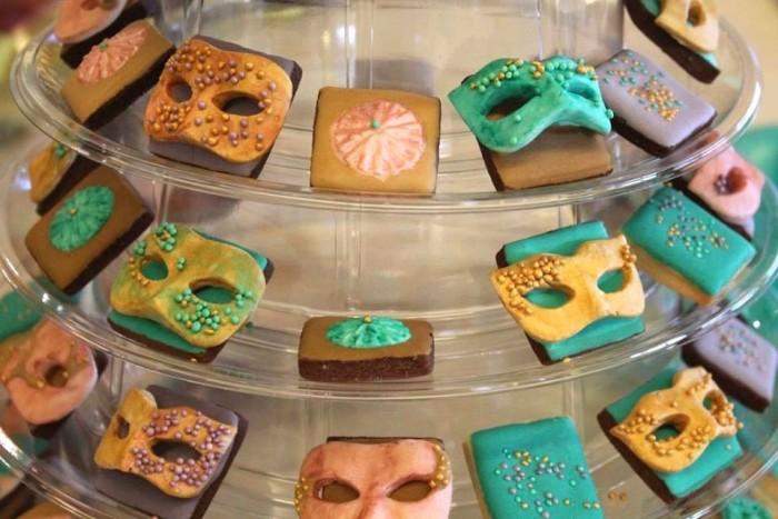 Alla tavola di Rugantino e Pulcinella, i biscotti di Claudia Deb