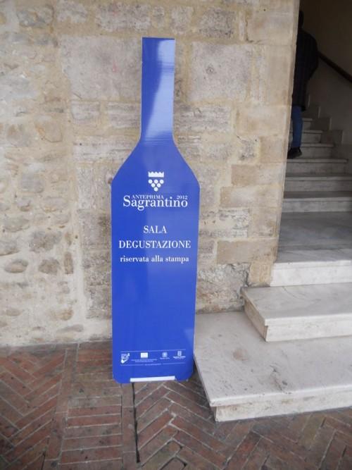 Anteprima Sagrantino, l'indicazione della sala degustazione riservata alla stampa
