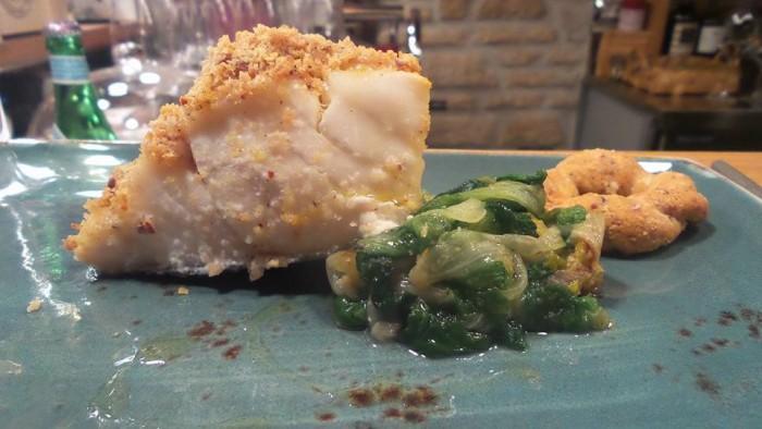 Enoteca Treqquarti, baccalà con tarallo napoletano e scarola con olive e capperi