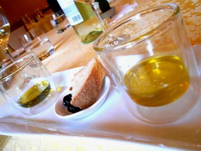 Il Megaron, le degustazione di olio Ravece e Leccino