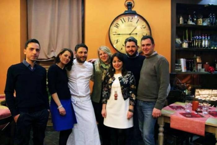 La Spelunca, Antonio De Stasio con sua moglie Michela,   Antonella D'Avanzo e il gruppo di produttori