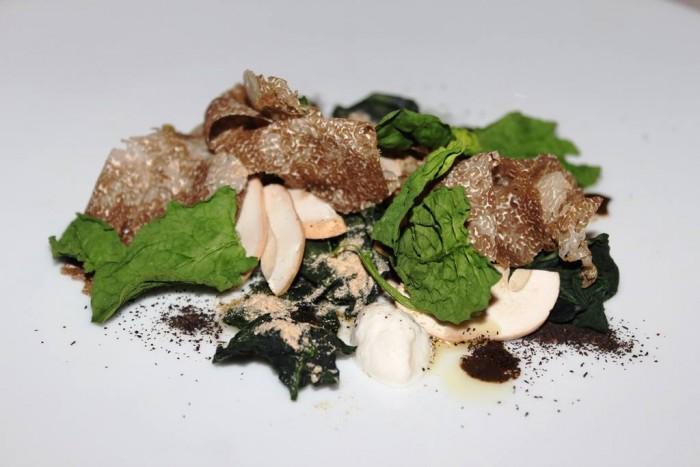 Le Giare, pera cotogna, thè affumicato, tartufo bianco e foglie appassite