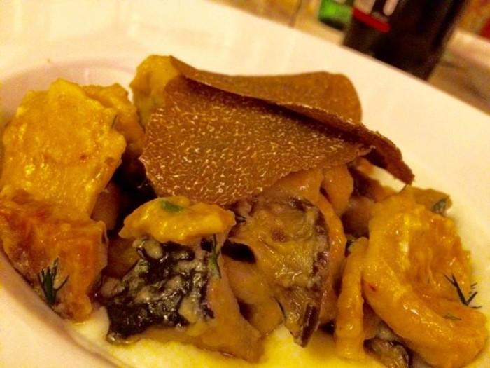 Perbacco, strascinati integrali, con fonduta di pecorino di Moliterno, salsiccia pezzente e tartufo