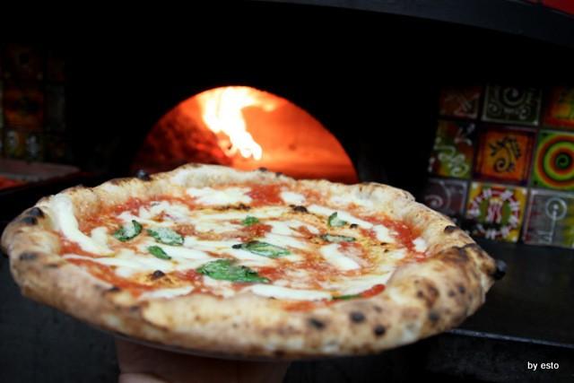 Pizzeria 18 Archi. Diego Vitagliano Pizza  Margherita