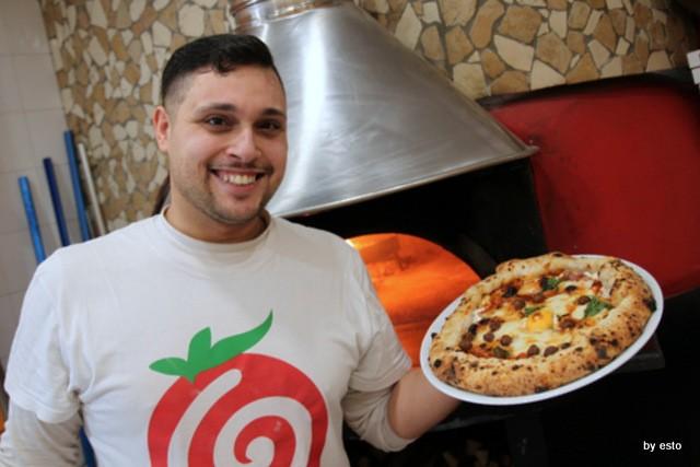 Pizzeria Giglio. Lasagna che pizza. Gaetano Giglio e Lasagna che pizza