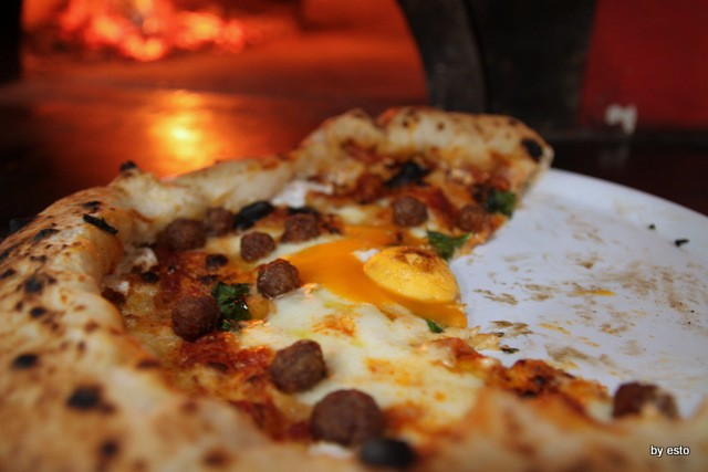 Pizzeria Giglio. Lasagna che pizza. Lasagna che pizza, l'uovo