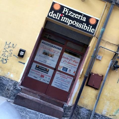 Pizzeria dell'Impossibile L'ingresso