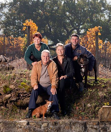 la famiglia Salvioni - immagine tratta dal sito dell'azienda Salvioni
