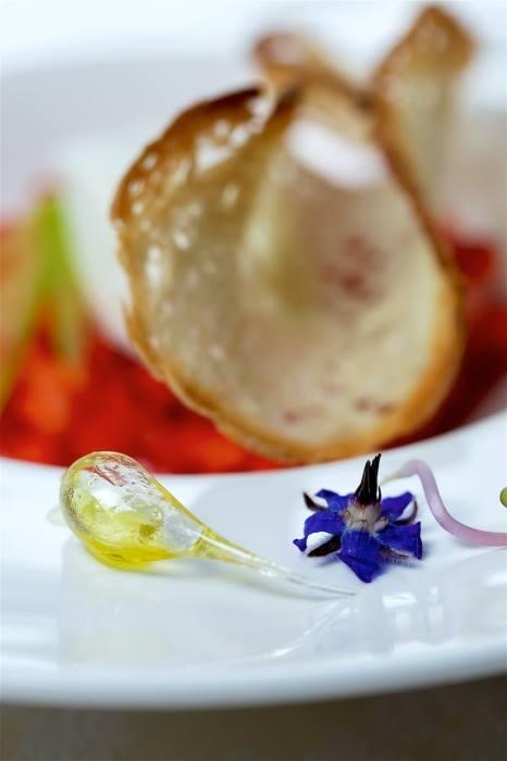 Cannolo, fragola e olio di Raciopella - foto di Luciano Furia