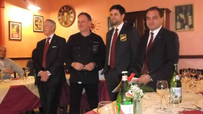 Consegna degli attestati FISAR all'Osteria del Notaro di Ceraso, da sx Iacone, Notaroberto, De Angelis e Perillo