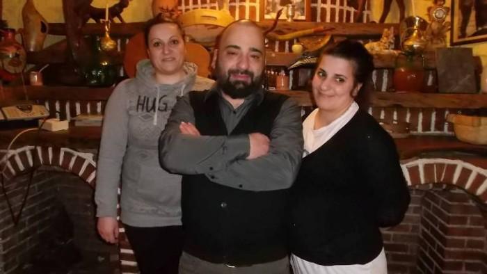 Da Cono, da sx Piera, Teodoro ed Alessandra Caputo