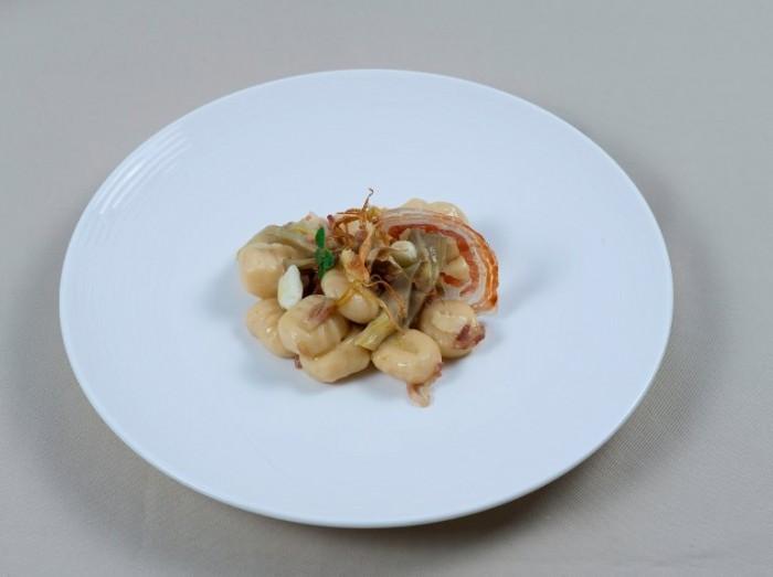 Gnocchi con carciofi, pancetta e provola