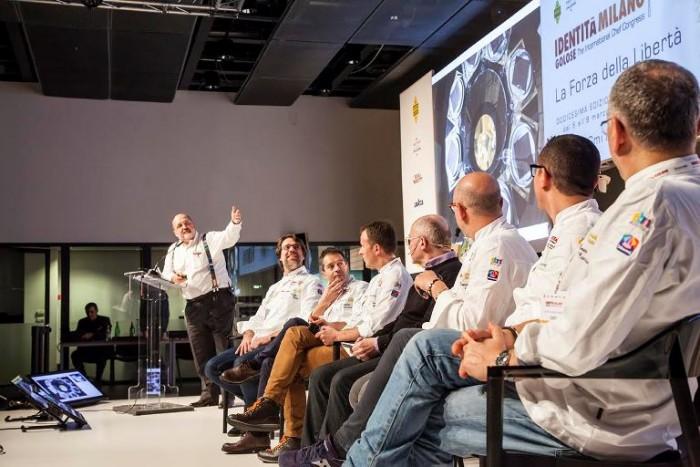 Identità Golose 2016, da destra Paolo Marchi, Renato Bosco, Massimo Giovannini, Simone Padoan,  Roberto Restelli,Franco Pepe, Gino Sorbillo, Enzo Coccia
