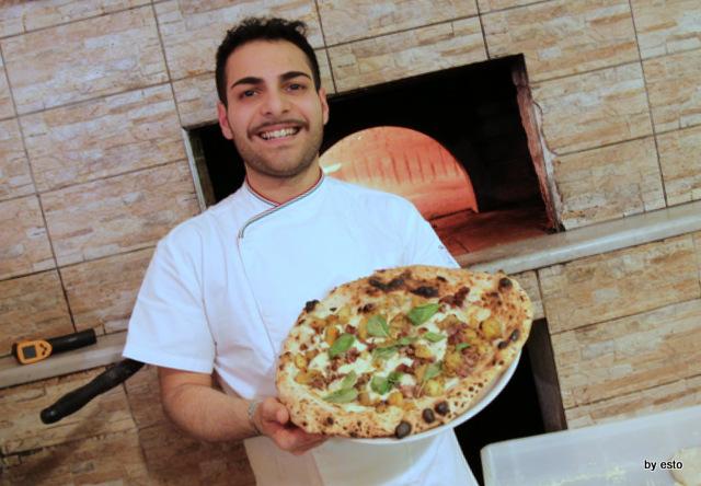 La Famiglia. Giovanni Russo Pizza patate e salsiccia