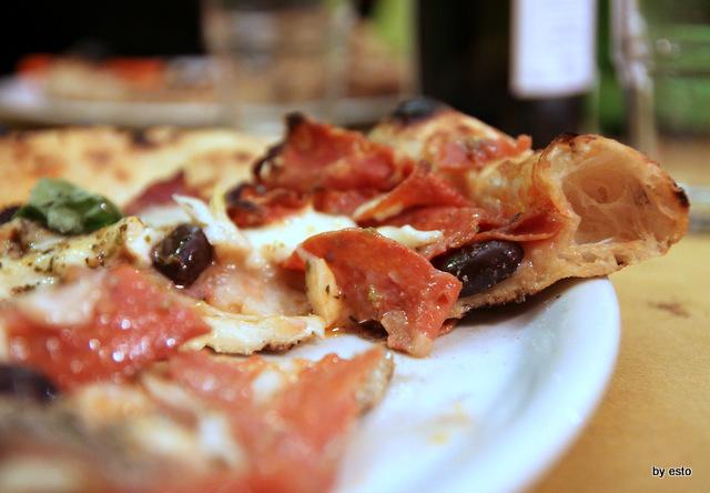 La Famiglia. Giovanni Russo. La Pizza la struttura