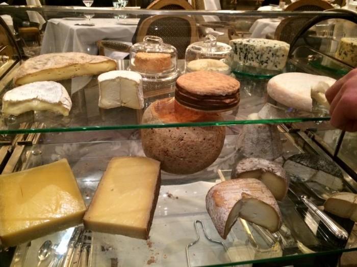 Le Cinq, il carrello dei formaggi