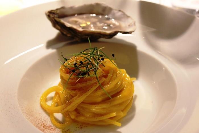 Locanda Severino, spaghettone sant'Angelo in carbonara di ostrica e chartreuse
