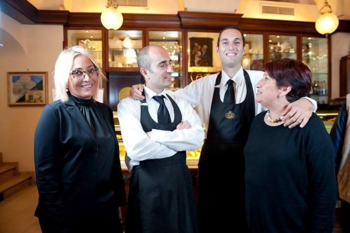 Pansa, i titolari (da sinistra verso dx. Marilla, Andrea, Nicola, Mamma Carla)