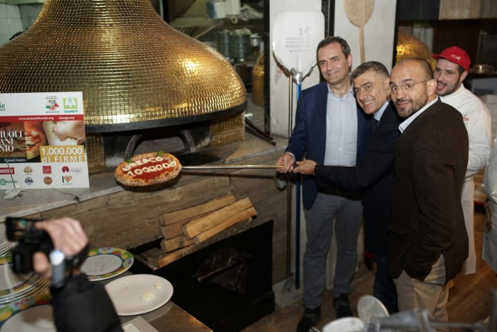 Pizza Unesco: De Magistris, Pecoraro Scanio e Franco Manna