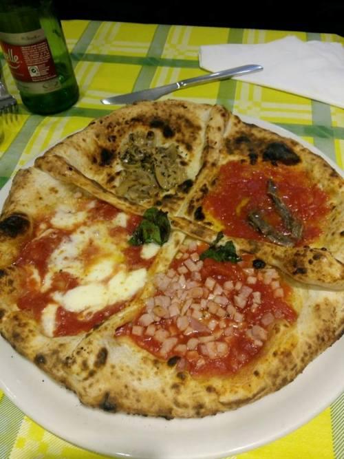 Pizzeria al 22, pizza quattro stagioni