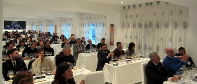 Primavera in Champagne, la sala gremita di appassionati