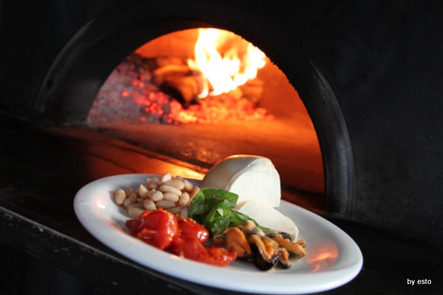 Regina 2 Pasquale Di Fiore. Pizza cozze e fagioli gli ingredienti