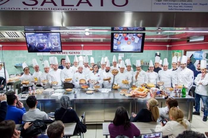 Scuola Dolce&Salato evento La Nostra Pastiera con 20  pasticcceri