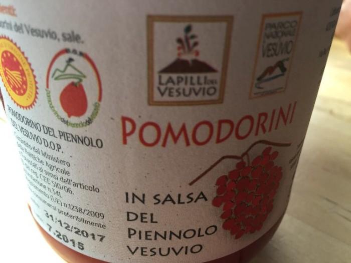 Sorrentino, i pomodorini in salsa del piennolo del Vesuvio
