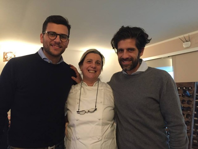 Tina Triunfo con il figlio Antonio ( a destra) e Gaetano Russo