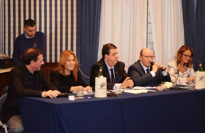 da sinistra Maurizio Cortese, Livia Iaccarino, Luciano Pignataro, Francesco De Luca, Donatella Bernabò Silorata
